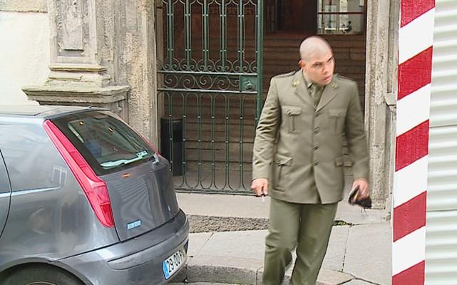 Soldado multado por festa