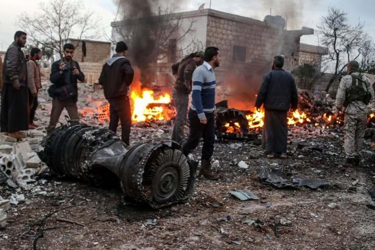 Rebeldes sírios derrubam avião russo e capturam piloto
