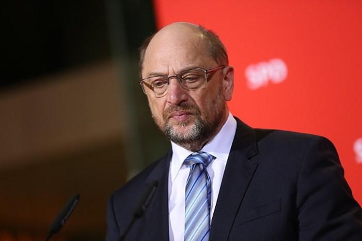 Schulz renuncia ao lugar de ministro na coligação com Merkel
