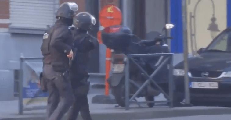 Homem armado lança alerta em Bruxelas