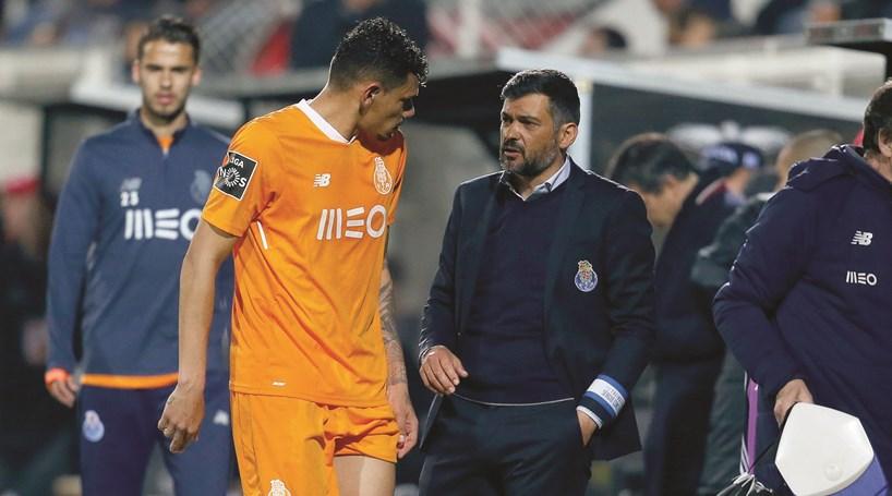 Bas Dost não viajou com a equipa do Sporting para o Porto