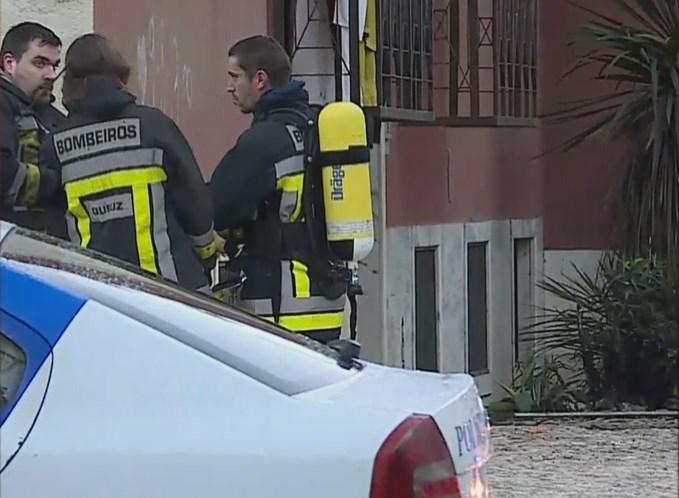 Fuga de gás e incêndio obriga a evacuar prédio em Sintra