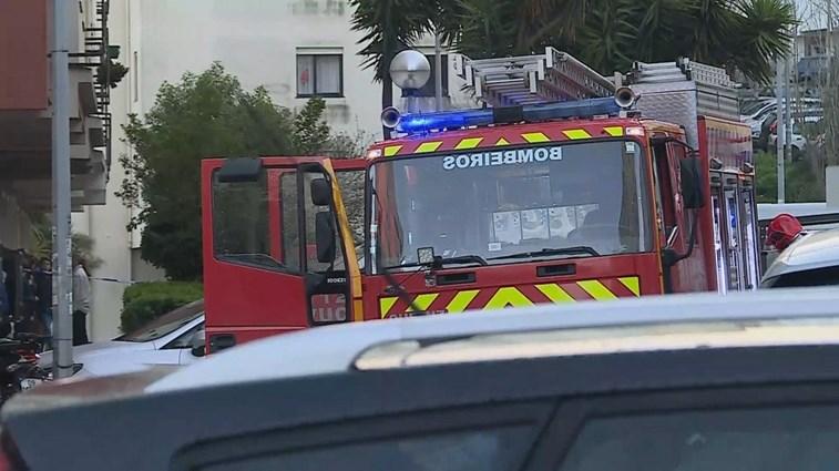 Incêndio em prédio de Queluz faz pelo menos nove feridos