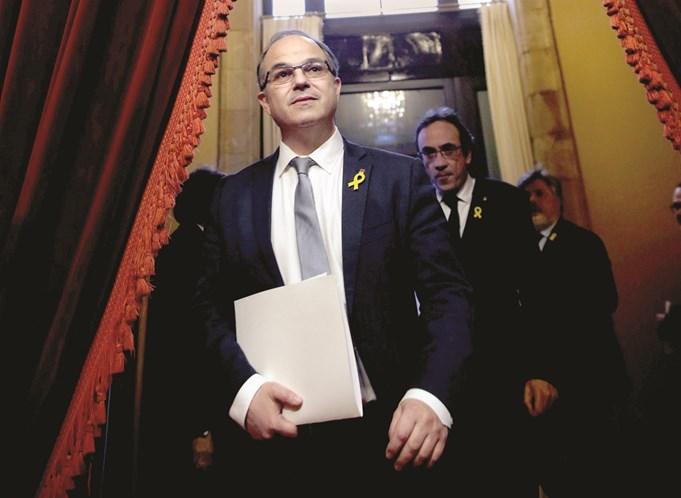 Catalunha: Política separatista falha audiência no Supremo e parte para o exílio