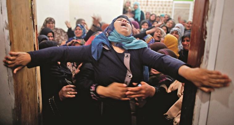 Palestino é morto após bombardeio israelense perto da fronteira de Gaza