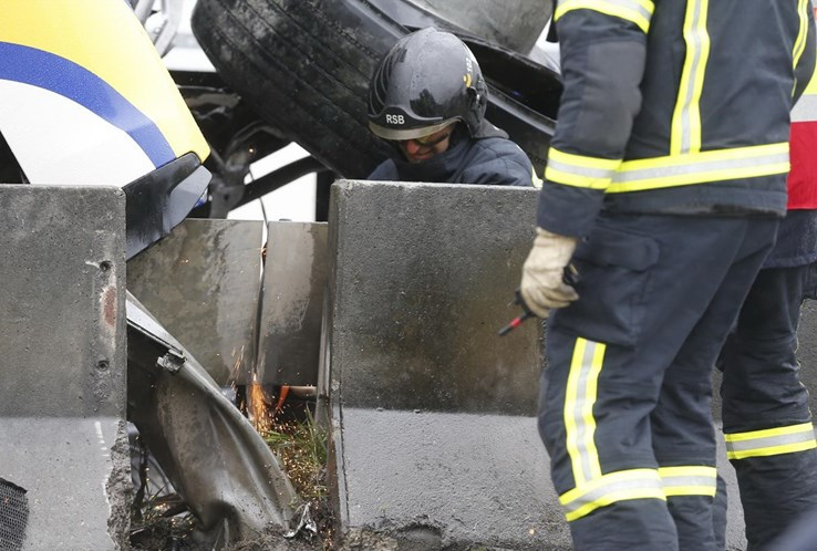 Segunda Circular cortada junto a Benfica devido a despiste de camião
