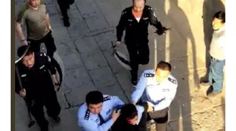 China. Sete estudantes morrem esfaqueados num ataque em escola