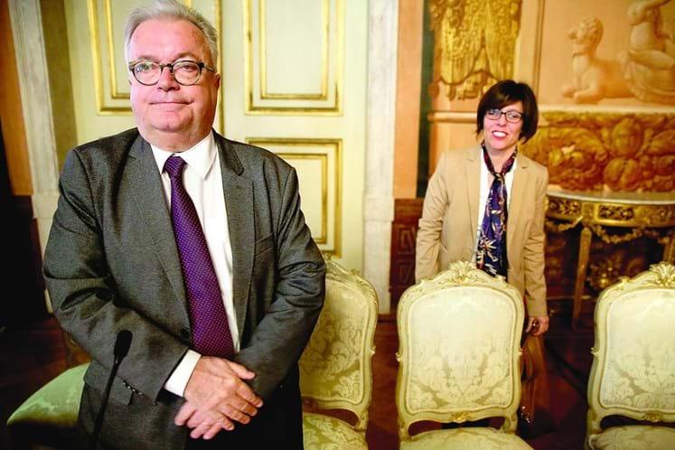 Directora-geral das Artes despedida por falta de