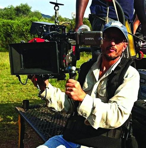 Realizador Carlos Carvalho morto por girafa na África do Sul