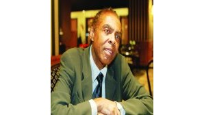 Gilberto Gil na sede de Carrilho