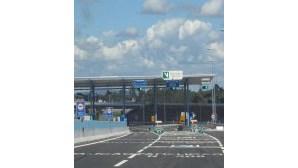 Via Verde a meio da portagem da A7, em Famalicão, induz em erro
