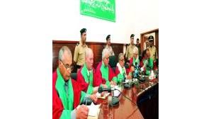 Polícias líbios absolvidos de torturas a búlgaras