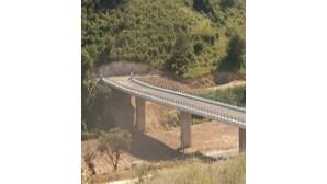 Viaduto em Vila Franca de Xira tem curva e inclinação acentuada