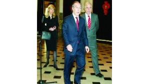 Mendes segura equipa na Comissão Política