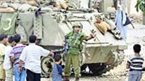 TANQUES ISRAELITAS RETIRAM-SE DE RAMALLAH