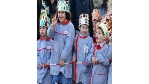 Crianças de Setúbal cantam os Reis