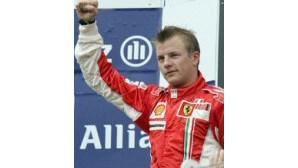 Ferrari faz dobradinha