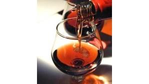 Associações de Macau 'casam' vinho e gastronomia lusa para 'fintar' crise económica