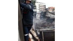 Fogo destrói armazém no Porto