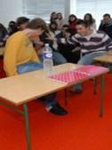 Os alunos da Secundária Raul Proença experimentaram o aparelho que simula sismos até ao grau 8