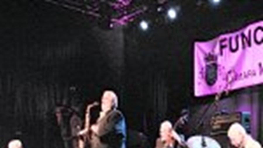 Dave Brubeck (esq.) e o seu trio interpretaram, de forma surperior, as suas composições