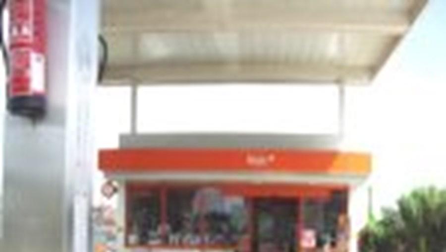 Loja de conveniência onde a vítima, de etnia cigana, morreu