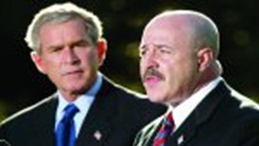 Bush junto a Kerik