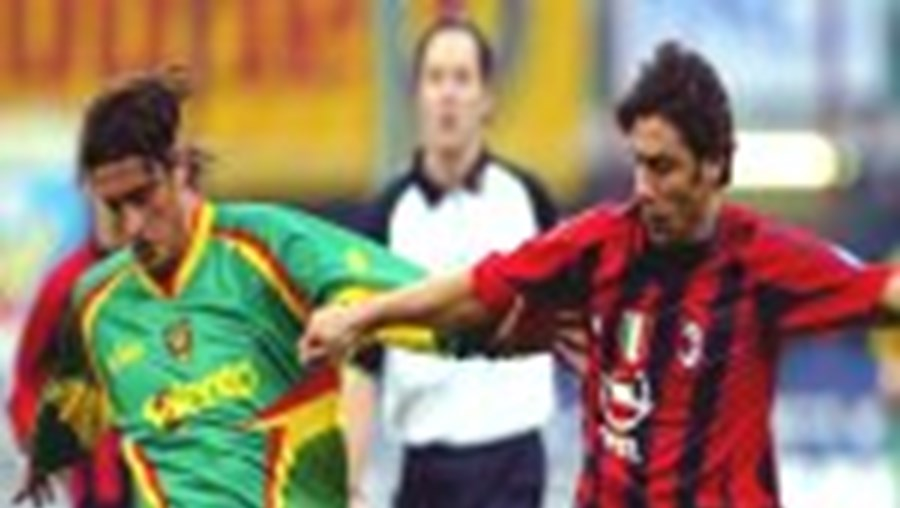 Milão goleia e ameaça Juventus