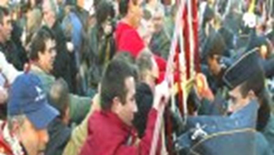 Os protestos dos habitantes de Canas de Senhorim foram filmados pela GNR, que está a identificar os infractores