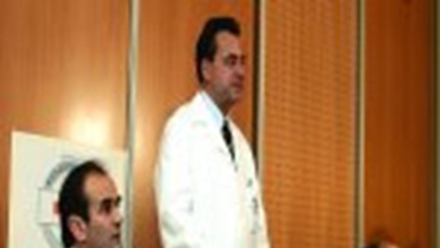 Na conferência de Imprensa estiveram responsáveis da clínica onde Yushchenko fez as análises