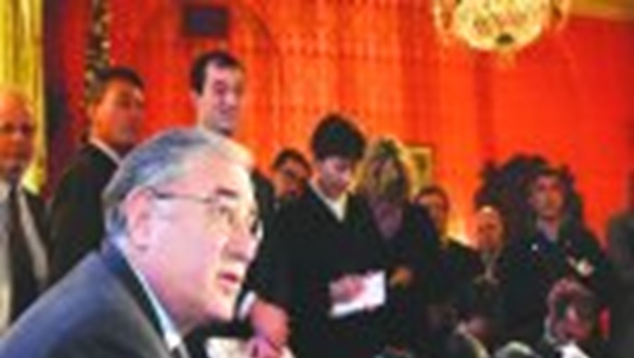 Dell'Utri é colaborador de Berlusconi desde os anos 70, primeiro nos negócios e agora na política