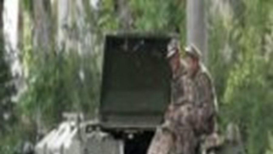 Os militares patrulham activamente as ruas de Andijan