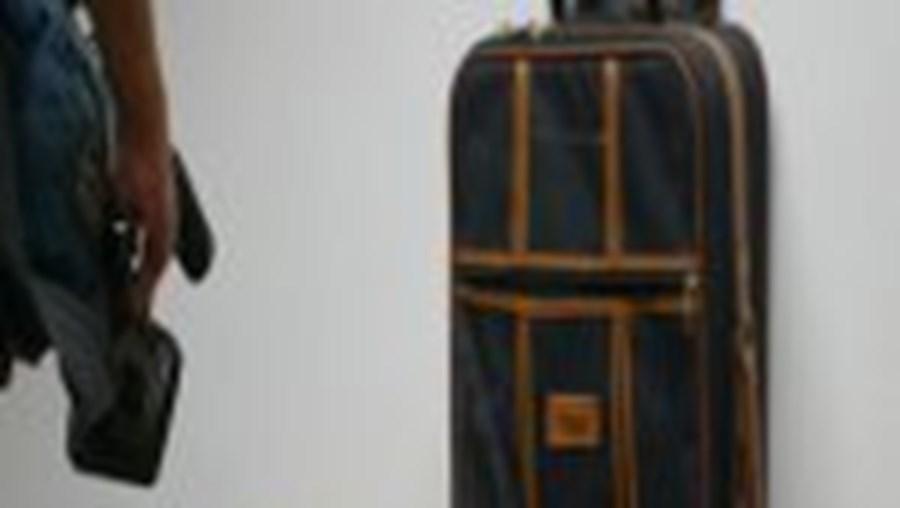 A heroína estava escondida numa mala de viagem que o cidadão turco passeava no centro de Cascais