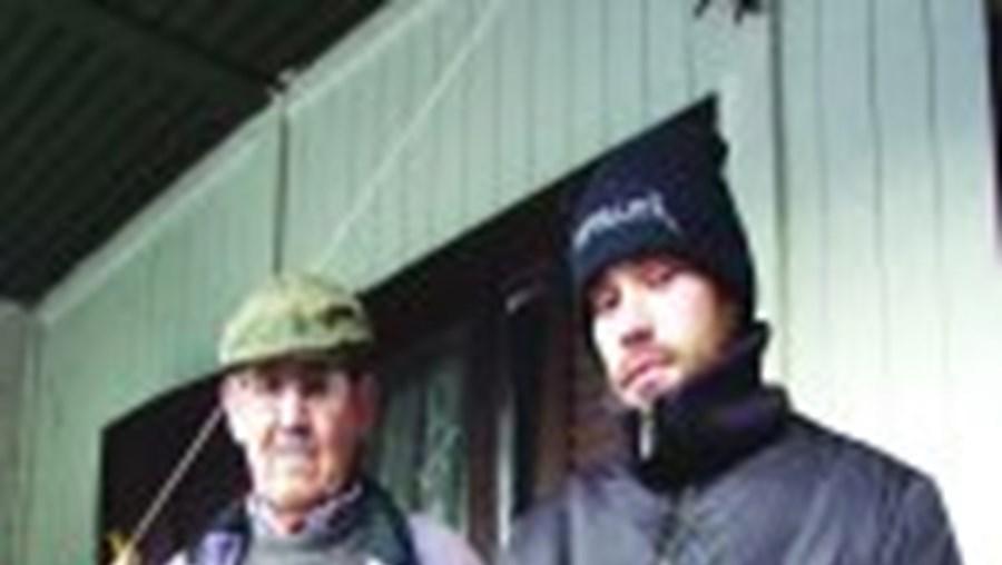 M. Soares, à direita, foi um dos homens que viveu como escarvo