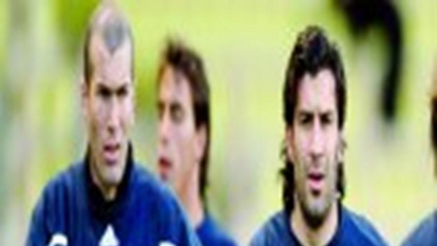 Luís Figo deverá separar-se do amigo Zidane no final desta temporada