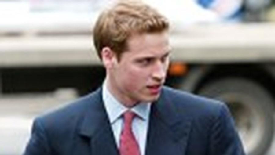 O príncipe William e o ex-mordomo de Diana, Paul Burrell, têm trocado várias acusações