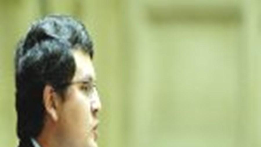 Paulo Pedroso ainda pode vir a ser julgado por abuso sexual de crianças