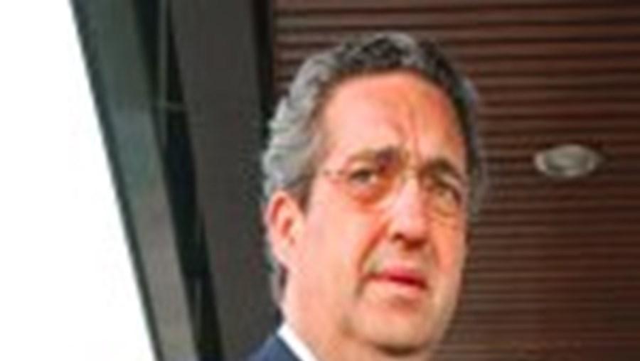 Ribeiro e Castro encontra-se amanhã com  Daniel Campelo