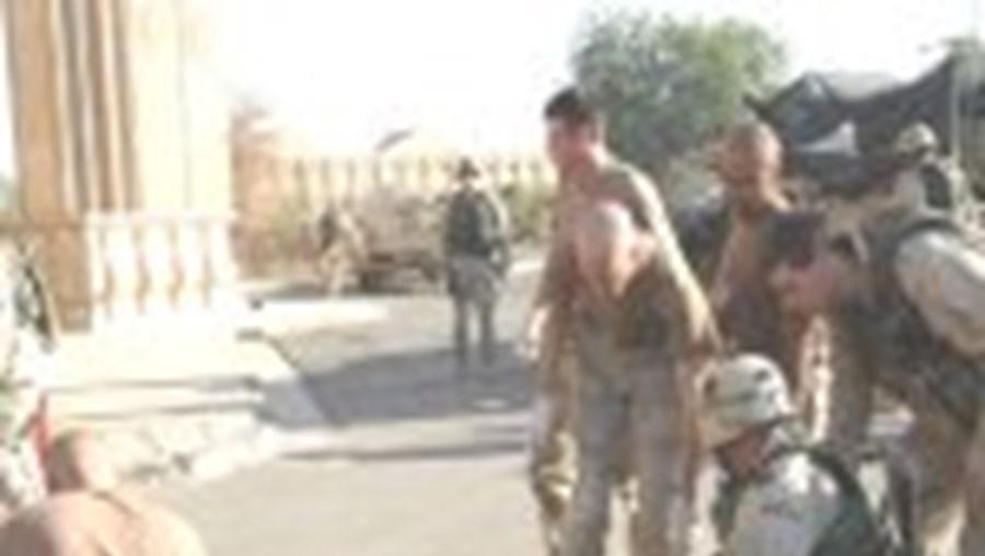 A insegurança continua a ser a nota dominante do dia-a-dia do Iraque do pós-guerra