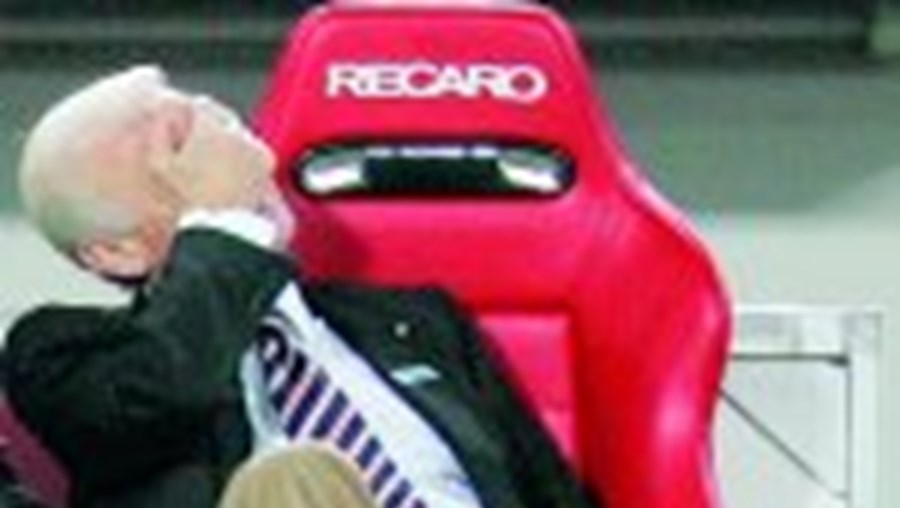 Trapattoni desesperou com nova derrota do Estugarda