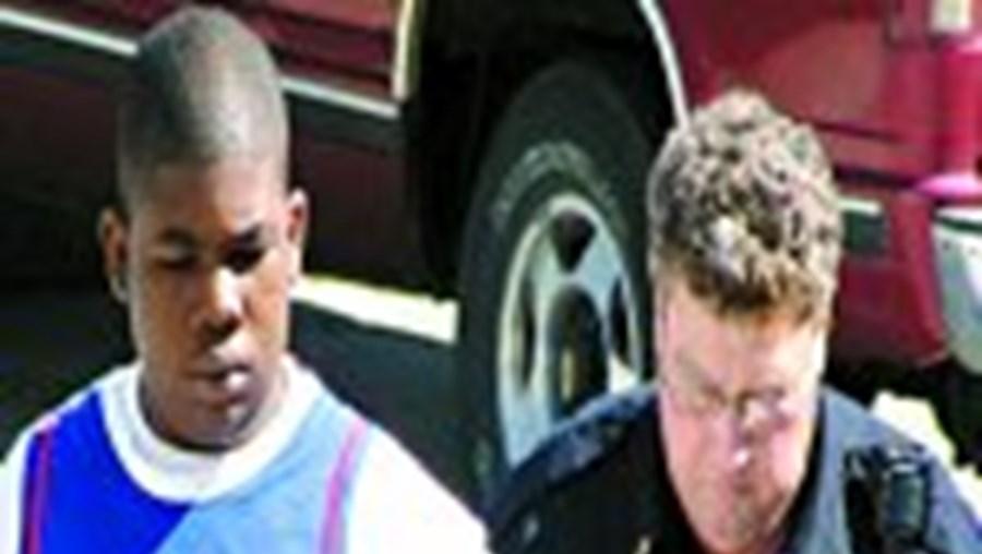 O jovem Demetrick Young já tinha cadastro criminal, também por agressão