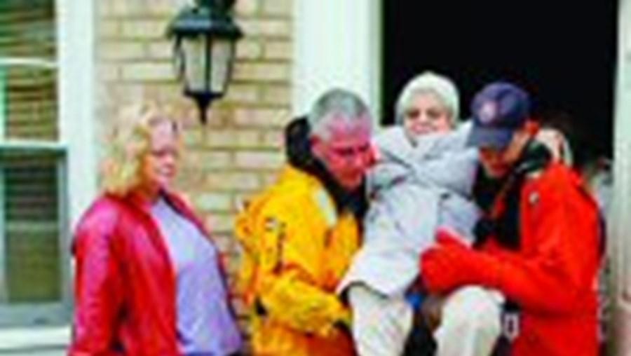Centenas foram evacuados