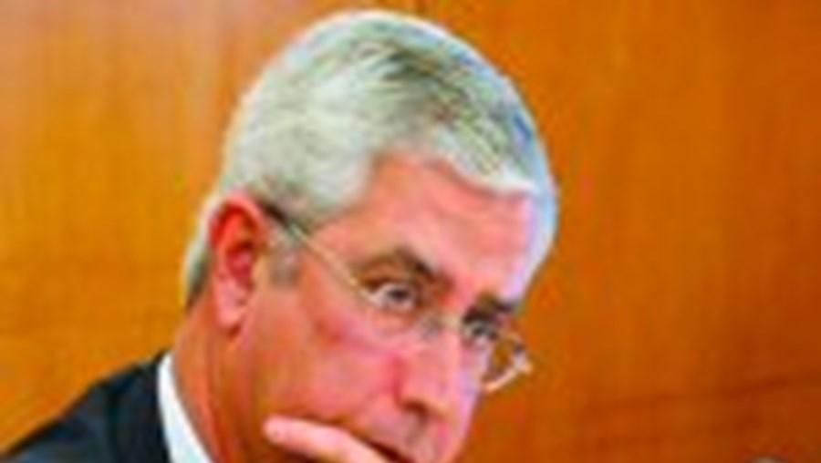 Fernando Negrão admite um 'desencontro mínimo' entre PSD e Manuela Ferreira Leite sobre o fecho de maternidades