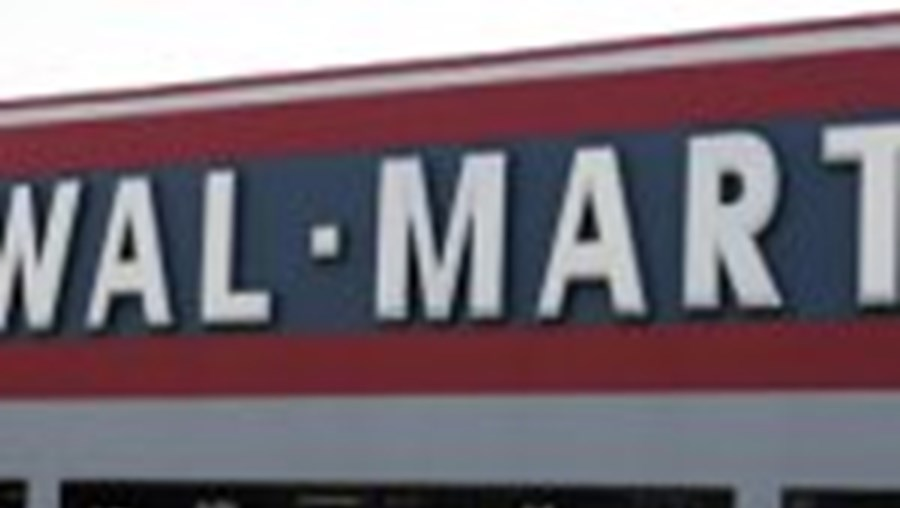 A Wal-Mart paga menos às mulheres do que aos homens. Na foto pequena, Betty Dukes