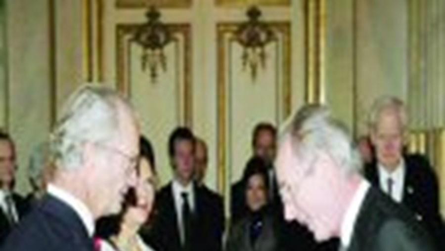 Seleccionador inglês distinguido pelo rei sueco