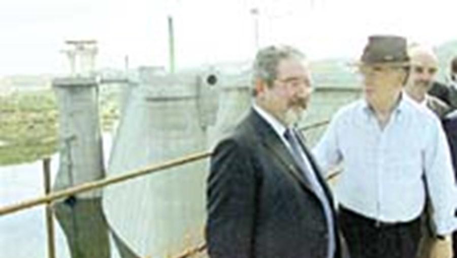 Jorge Sampaio e Isaltino Moraisdurante a visita à Barragem do Alqueva