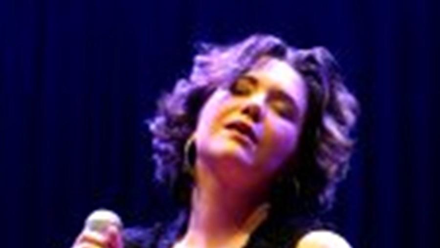 'Segundo' foi gravado ao vivo, em estúdio, e revela a maturidade da cantora