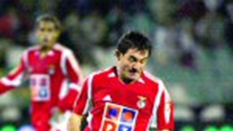 Karagounis está sem espaço no Benfica de Fernando Santos
