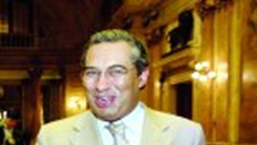 António Costa substitui José Sócrates na chefia do Governo