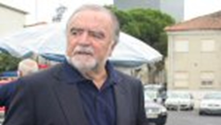 Alegre reformado da rádio portuguesa